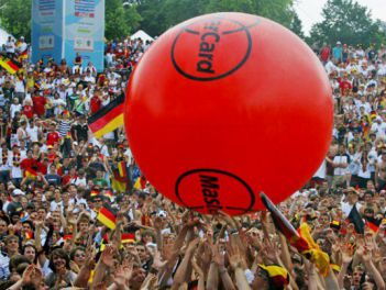 Crowd Ball für MasterCard