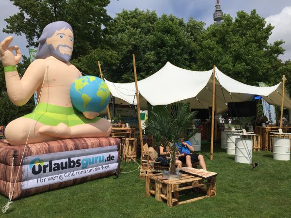 Inflatable Urlaubsguru in Aktion